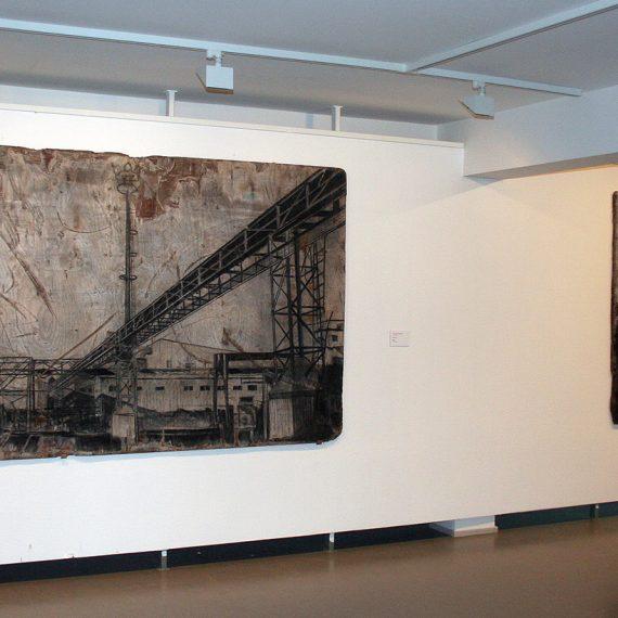 Johanna Väisänen Tehdas II-III, näyttelykuva Riihimäen taidemuseo 2010